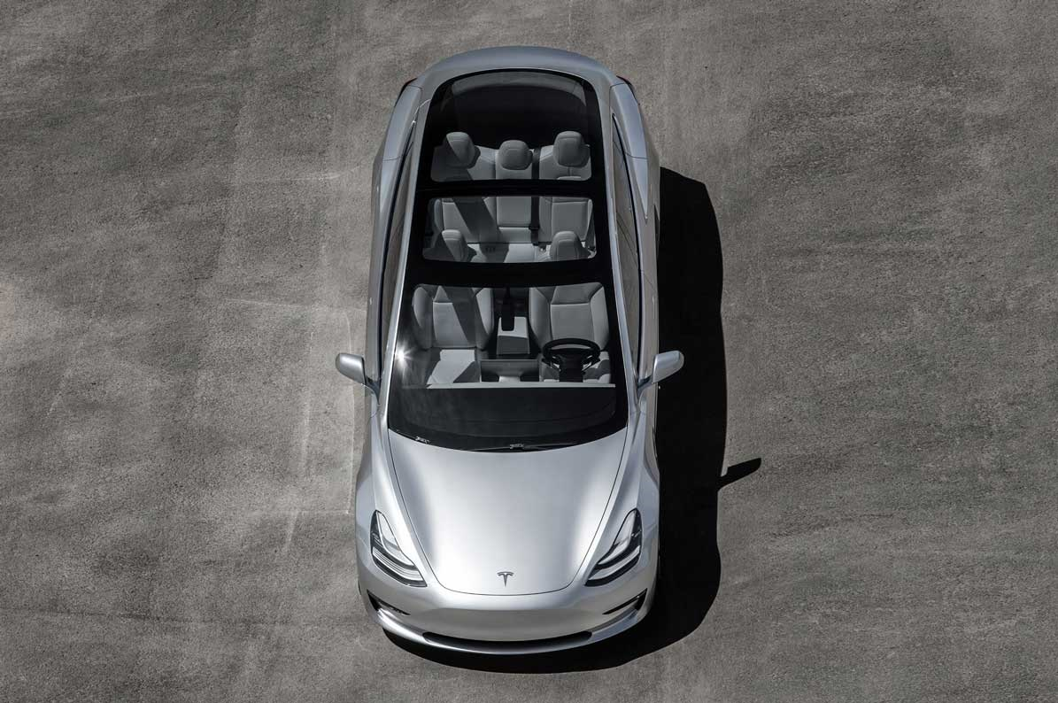 Najlacnejšia Tesla borí všetky mýty o elektromobiloch. Nová Tesla Model 3  ponúka až päť pohodlných miest 19bf8a76e07