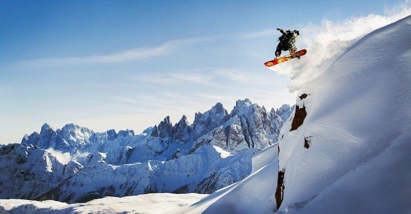 Cestujeme autem na lyže do Talianska