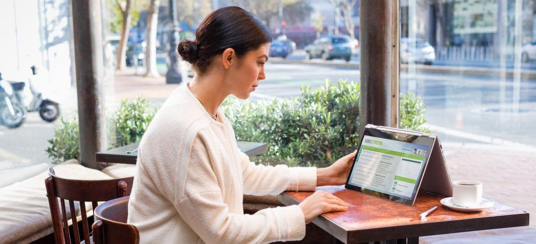 HP EliteBook; zariadenie typu 2 v 1; pracovný ultrabook; režim stan
