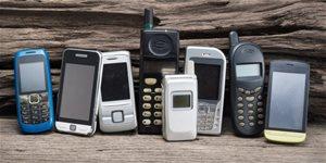 https://cdn.alza.sk/Foto/ImgGalery/Image/Article/historie-mobilnich-telefonu-nahled.jpg