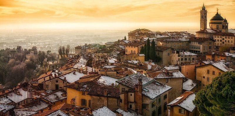 Talianske mesto v oblasti Lombardie - Bergamo