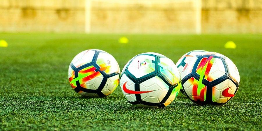 https://cdn.alza.sk/Foto/ImgGalery/Image/Article/lgthumb/fotbalovy-mic-uvodni-2.jpg