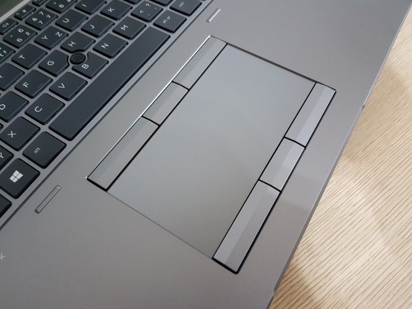ZBook17G5; touchpad