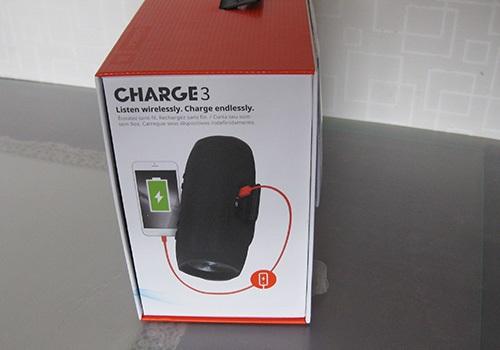 JBL Charge 3, bočná strana krabice, funkcia powerbanky