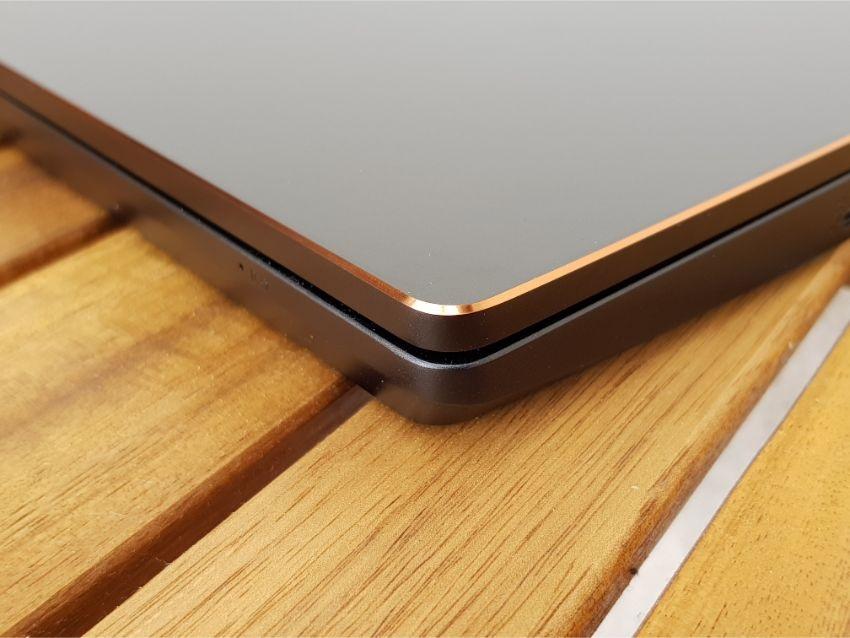 MSI GS75 Stealth 9SG – Hrana notebooku