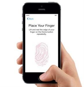 Telefón s odtlačkom prsta – čítačka odtlačkov prstov vpredu