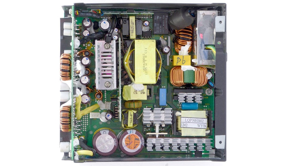 počítačový ATX zdroj – zvnútra