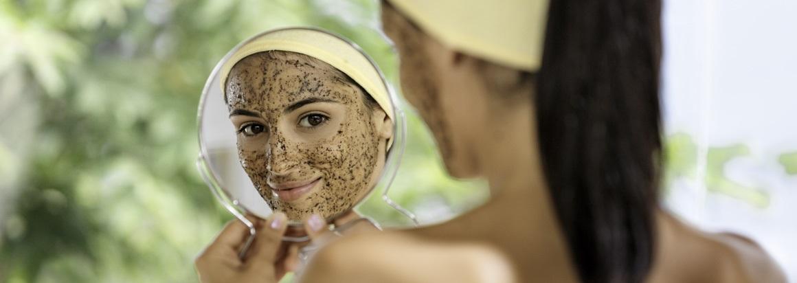 Ako pripraviť domáci peeling na tvár, telo, ruky a pery?