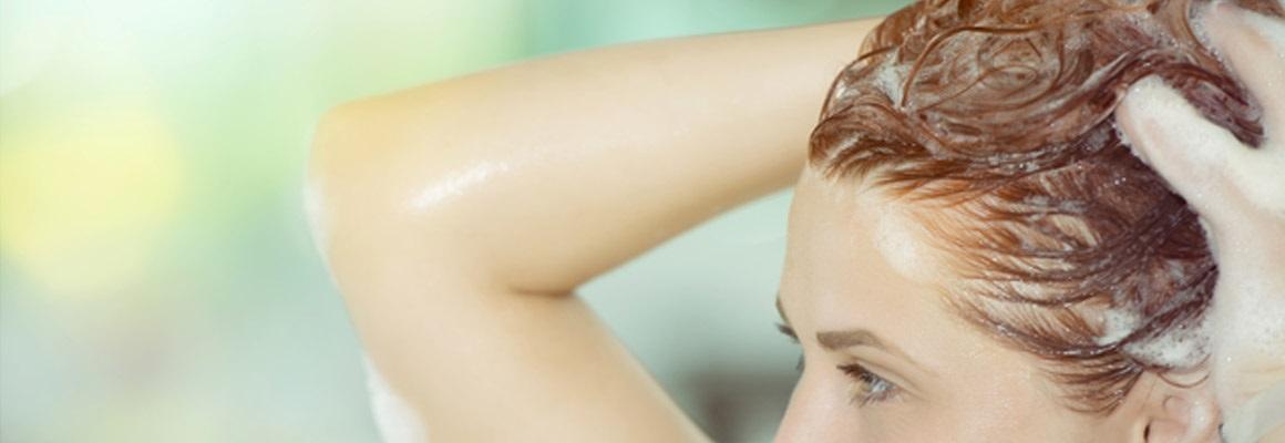Použite domáce suroviny na vytvorenie masky na vlasy doma