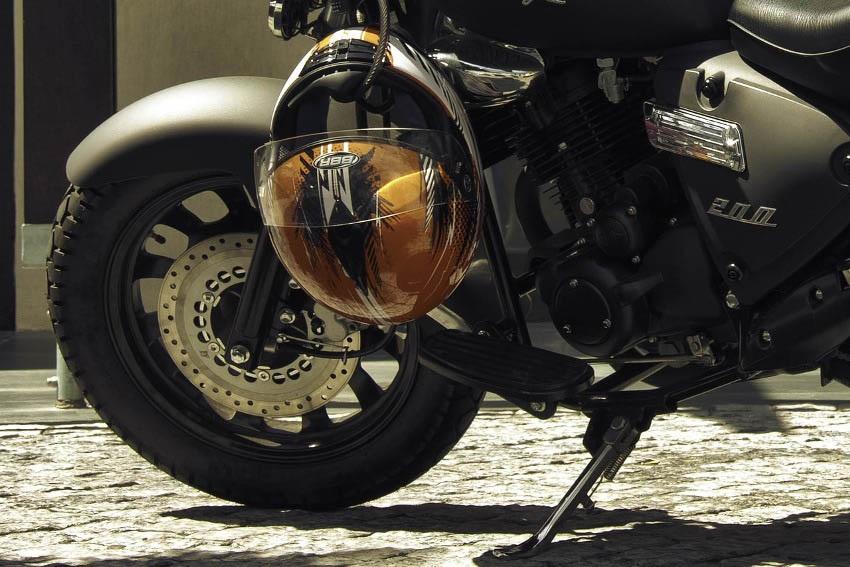 Tlak v pneu na motorke