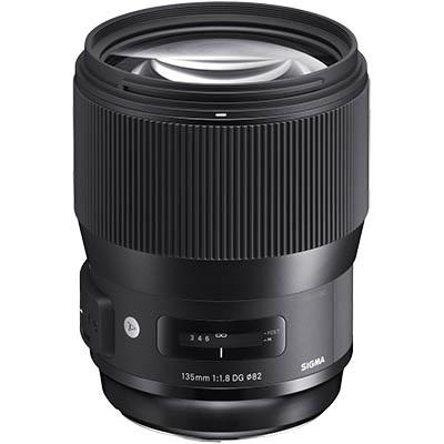 Portrétový objektív Sigma 135 mm f/1,8 pre digitálne zrkadlovky