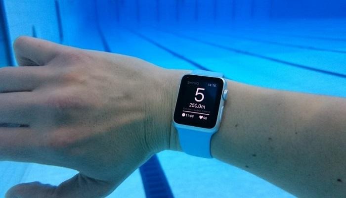 Sporttester; bazén; voda