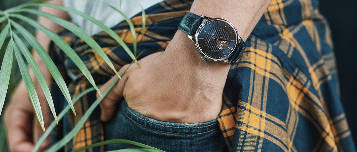 https://cdn.alza.sk/Foto/ImgGalery/Image/svycarske-hodinky-main.jpg
