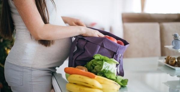 Sedem vitamínov a látok, ktoré by tehotnej žene nemali chýbať