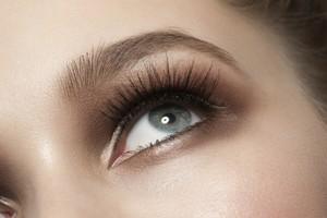 Paletka MUR Romantic Smoked Palette kombinovaných očných tieňov