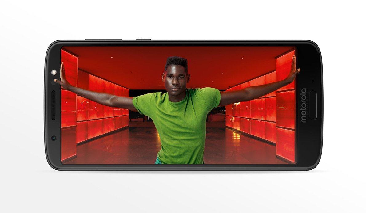 Mobilní telefon Motorola Moto G6, displej