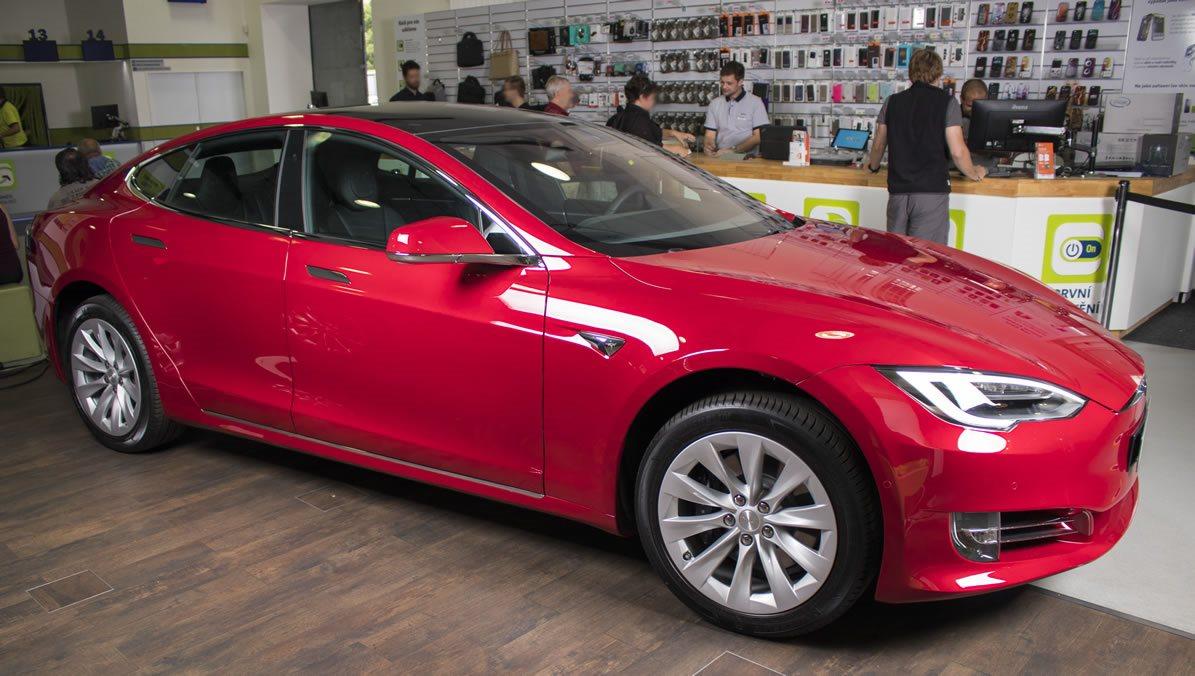 https://cdn.alza.sk/Foto/LegendFoto/photos/Tesla02_1_8.jpg