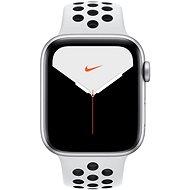 Apple Watch Nike Series 5 44 mm Strieborný hliník s platinovým/čiernym športovým remienkom Nike - Smart hodinky