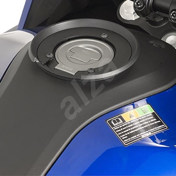 """GIVI BF 05 objímka pro uchycení tankruksaku GIVI """"TANKLOCK"""" na víčko nádrže (Yamaha) - Montážna súprava"""